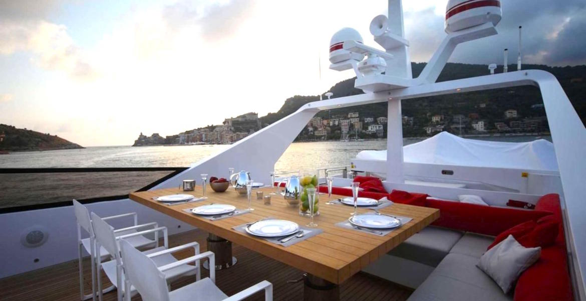Full_size_aurora_tecnomar_100_motoryacht_charter_rent_in_greece_deck_dinning